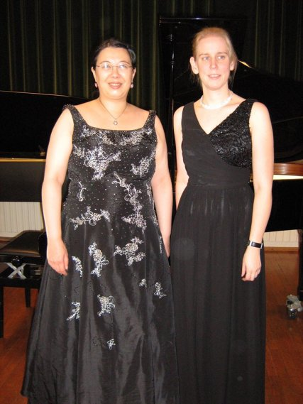 Sora Dietzinger and Jessica Riemer