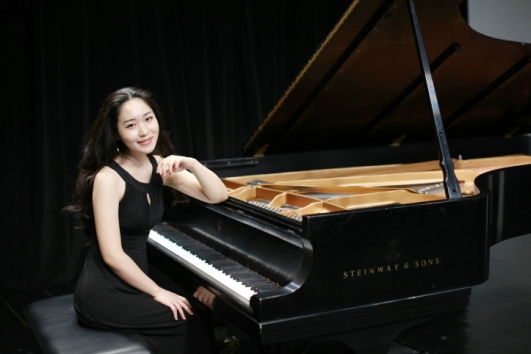qiao-liu-pianist