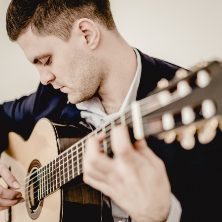 Ahsen Mehovic Classical guitar