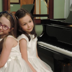 piano-duo-anna-zimowska-and-zofia-michalek